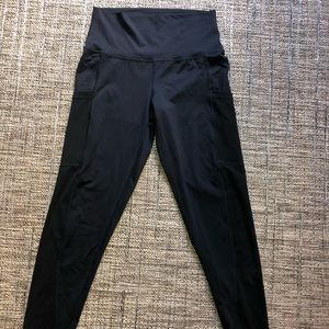 Aerie high rise move leggings with mesh pockets
